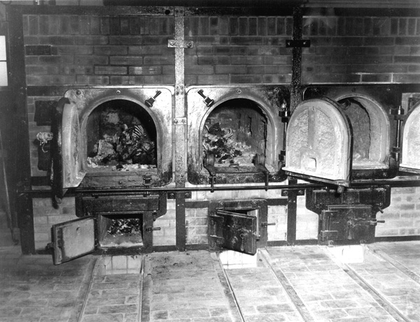 http://www.profit-over-life.org/teachers_guide/images/germany/buchenwald_kz/buchenwald_crematorium_bones.jpg